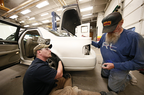Hands-on Auto Collision tech class at PPCC
